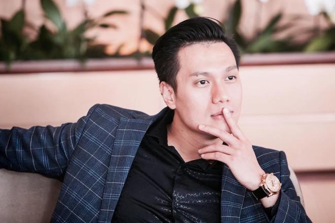 Hết bọc răng sứ, diễn viên Việt Anh lại tiếp tục lên đời nhan sắc nhờ phun thêu lông mày - Ảnh 8.