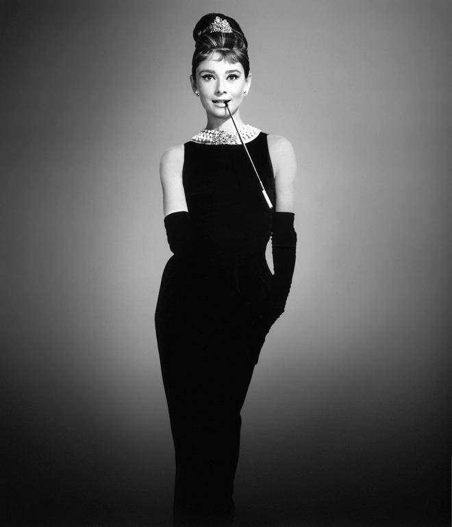 Sự thật bất ngờ về những món trang sức của Audrey Hepburn, công nương Diana hay Kate Middleton  - Ảnh 1.