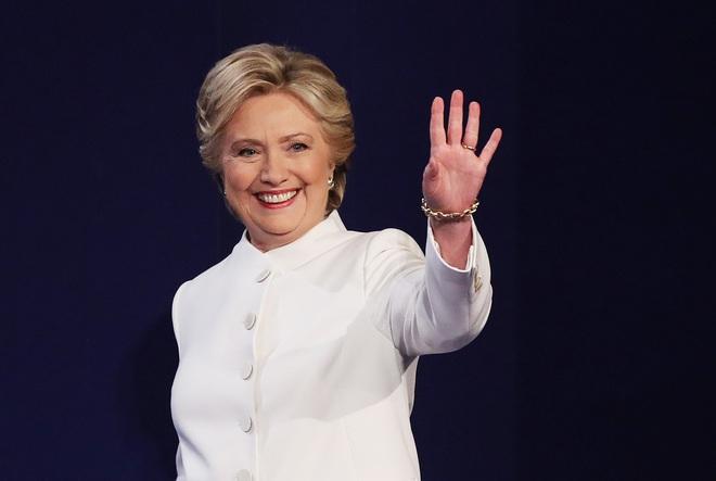Bà Hillary Clinton đã dành đến 600 tiếng để làm đẹp trong suốt quá trình tranh cử - Ảnh 1.