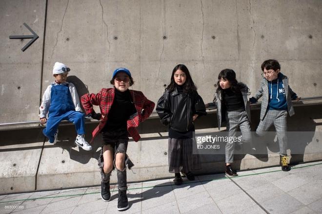 Ai là nhân vật đứng phía sau những nhóc tỳ sành điệu tại Tuần lễ thời trang Seoul - Ảnh 2.