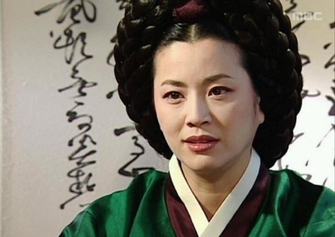 Dàn sao Nàng Dae Jang Geum sau 14 năm: Người vai chính viên mãn, kẻ vai phụ lận đận chưa thể tỏa sáng - Ảnh 18.