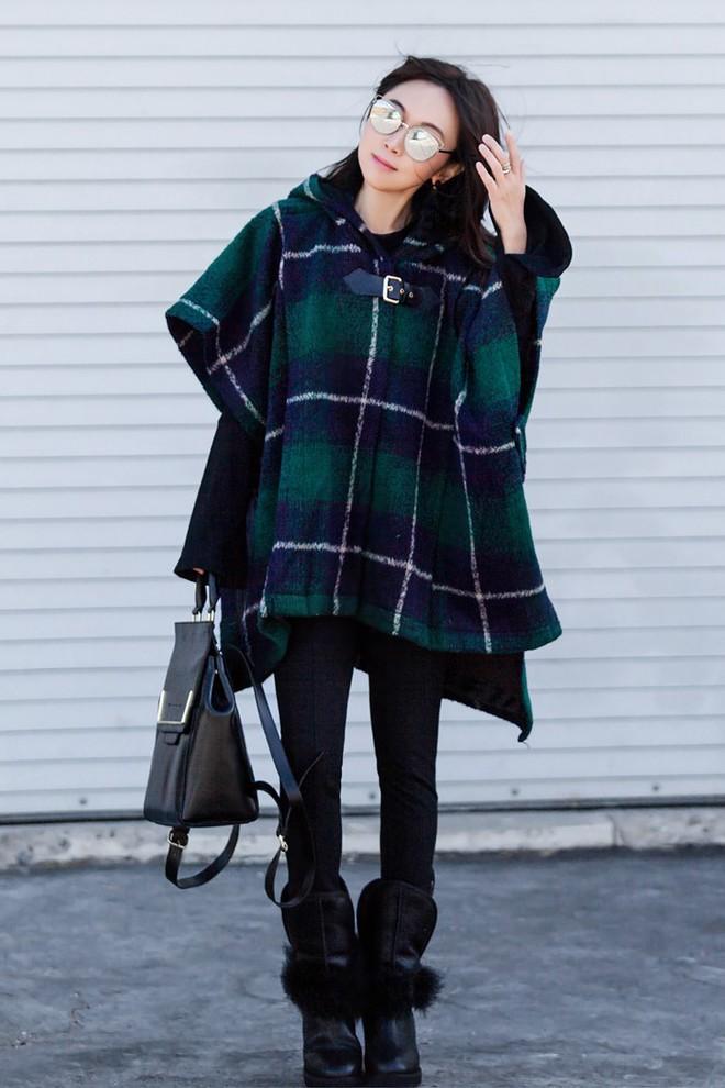 Càng cuối năm, street style của các quý cô Châu Á trông lại càng chất lừ và cực mãn nhãn - Ảnh 1.