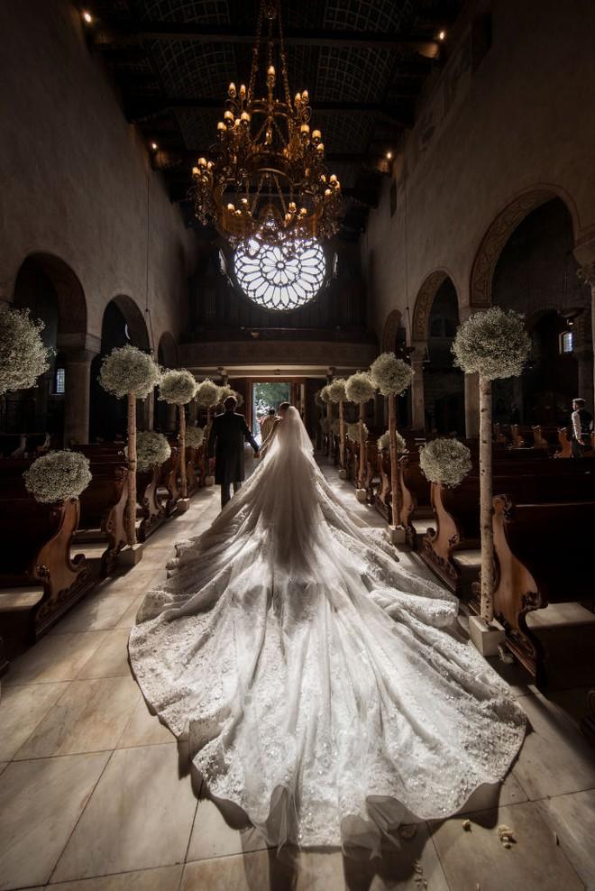 Mãn nhãn với những thiết kế váy cưới nổi tiếng nhất mọi thời đại - Ảnh 2.