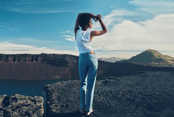 Bạn sẽ bất ngờ khi biết nguyên liệu để làm ra chiếc quần jeans có giá 1,1 triệu này của H&M - Ảnh 2.