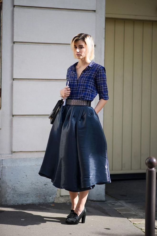 Đâu là chiếc áo diện cùng chân váy midi có thể nịnh dáng nhất - Ảnh 3.