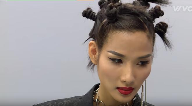 The Face mùa 2 có nhạt mấy thì cũng thú vị bởi kiểu tóc hay ho của HLV - Ảnh 3.