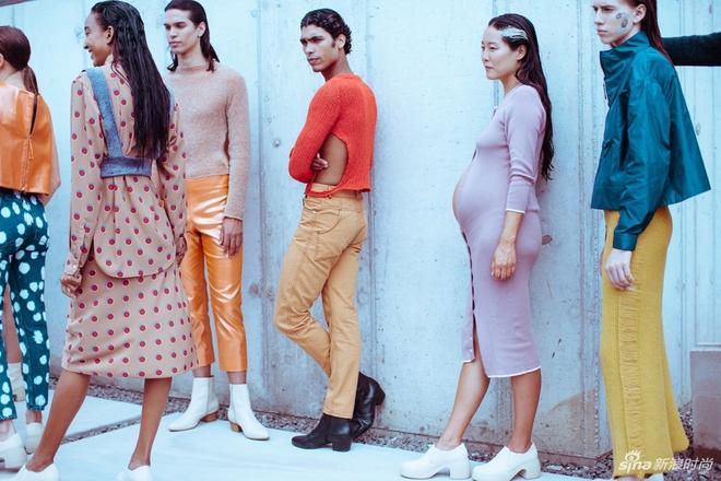 Người mẫu bụng bầu vượt mặt tự tin sải bước tại Tuần lễ thời trang New York 2018 - Ảnh 6.