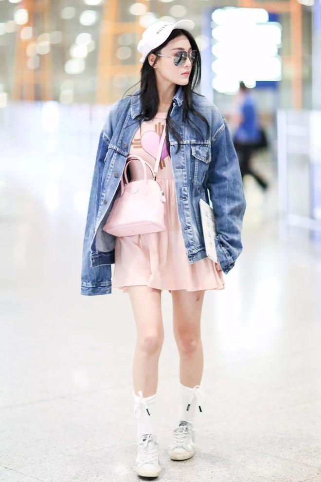 Cứ sang thu là 5 mẫu áo khoác quen thuộc này lại được loạt người đẹp Hoa ngữ lăng xê nhiệt tình - Ảnh 10.