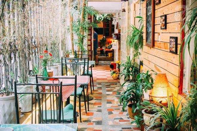 5 quán cafe trong ngõ để tìm tĩnh lặng và yên bình cho những ngày cuối hạ - Ảnh 33.