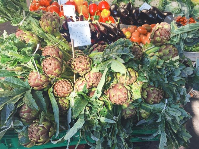 Trải nghiệm của cô gái Việt trên đất Ý: đi chợ nông dân mua rau quả, được khuyến mại niềm vui - Ảnh 7.