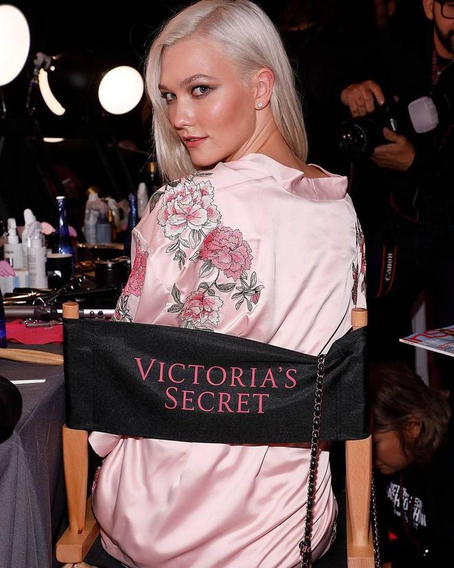 Tận tối mới diễn, nhưng giờ các thiên thần Victorias Secret đã bắt đầu trang điểm, làm tóc - Ảnh 18.