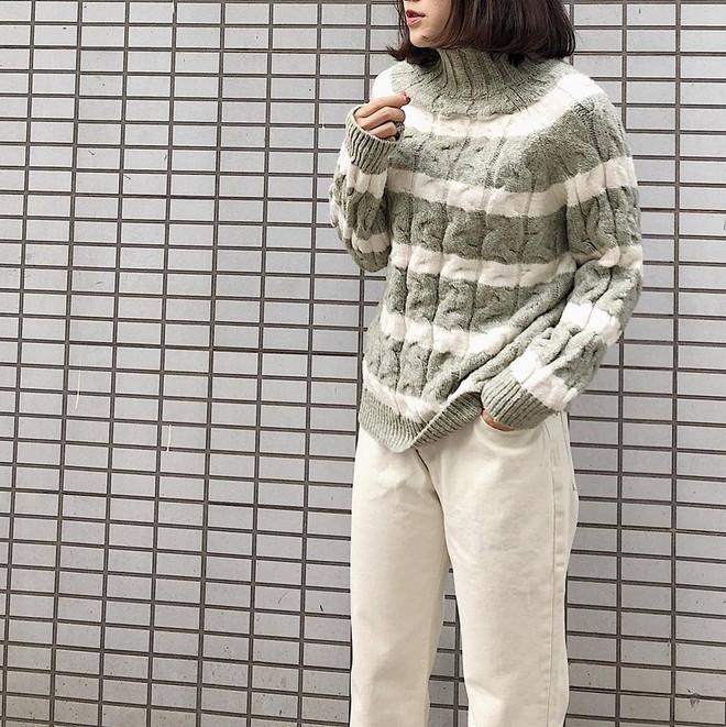 Để sắm áo len thật xinh diện trong mùa đông này, đừng bỏ qua 8 gợi ý dưới đây - Ảnh 40.