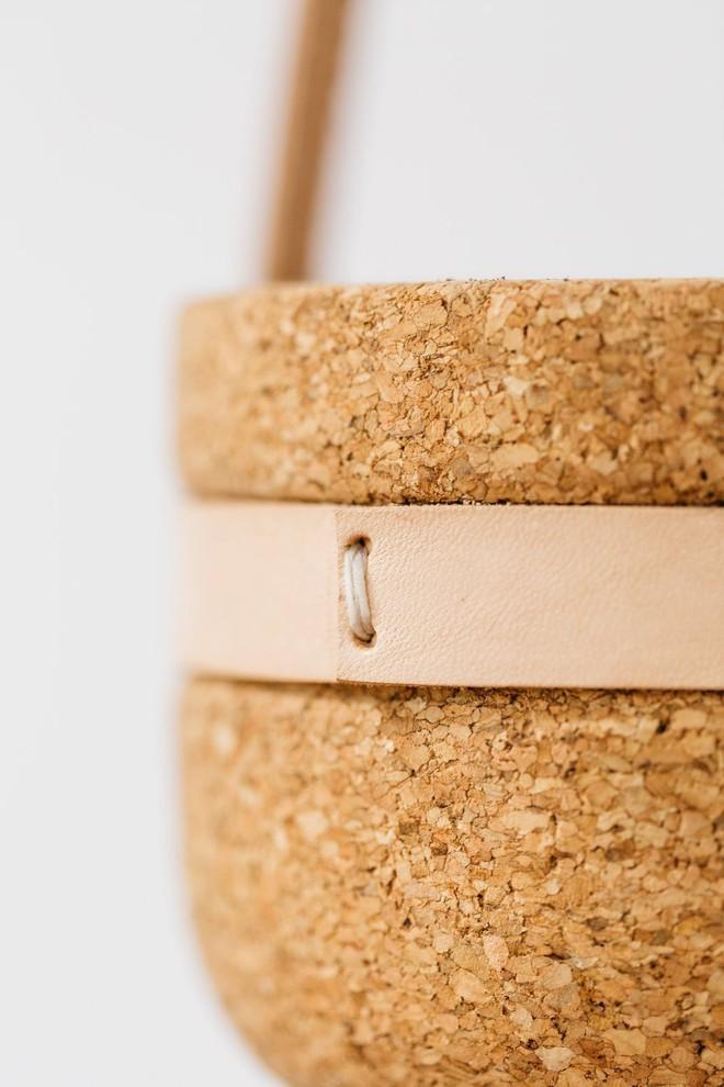 Mang thiên nhiên về nhà với những món đồ làm từ gỗ bần - Ảnh 1.