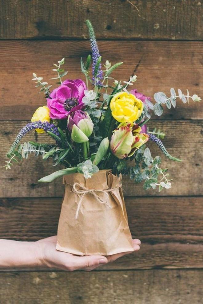 Những cách cắm hoa đơn giản giúp căn nhà từ buồn tẻ trở nên vô cùng sinh động - Ảnh 14.