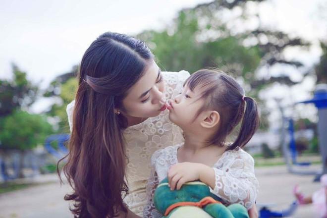 Được mẹ chồng gốc Hoa nấu cho bát mì trường thọ ngay ngày sinh nhật, mẹ trẻ lập tức đăng đàn khoe - Ảnh 3.