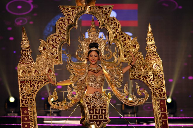 Á hậu Huyền My mặc áo dài nặng 30kg đẹp nổi bật lấn át dàn thí sinh trong đêm thi trang phục dân tộc - ảnh 15