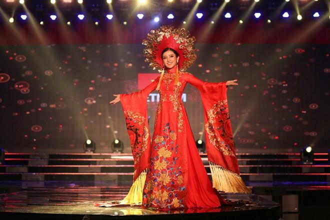Á hậu Huyền My mặc áo dài nặng 30kg đẹp nổi bật lấn át dàn thí sinh trong đêm thi trang phục dân tộc - ảnh 3