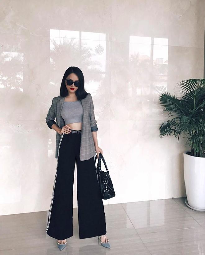 Street style sao Việt: Hoa hậu Thu Thảo diện dép tông giản dị để lộ vóc dáng gầy nhẳng sau khi cưới - Ảnh 11.