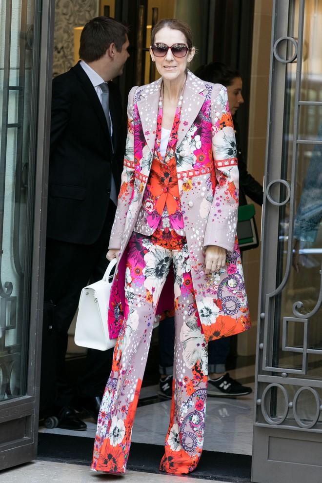 Cận kề tuổi 50 Diva Céline Dion mới lột xác phong cách khiến giới mộ điệu toàn cầu kiêng nể - Ảnh 9.