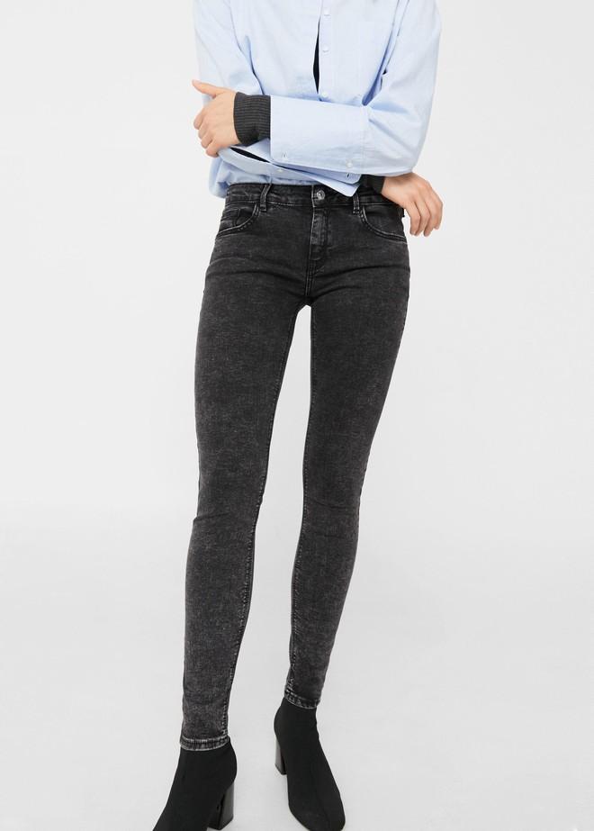 Gợi ý 15 mẫu quần dài từ Zara, Mango, H&M cứ mặc cùng boots là đẹp - Ảnh 14.