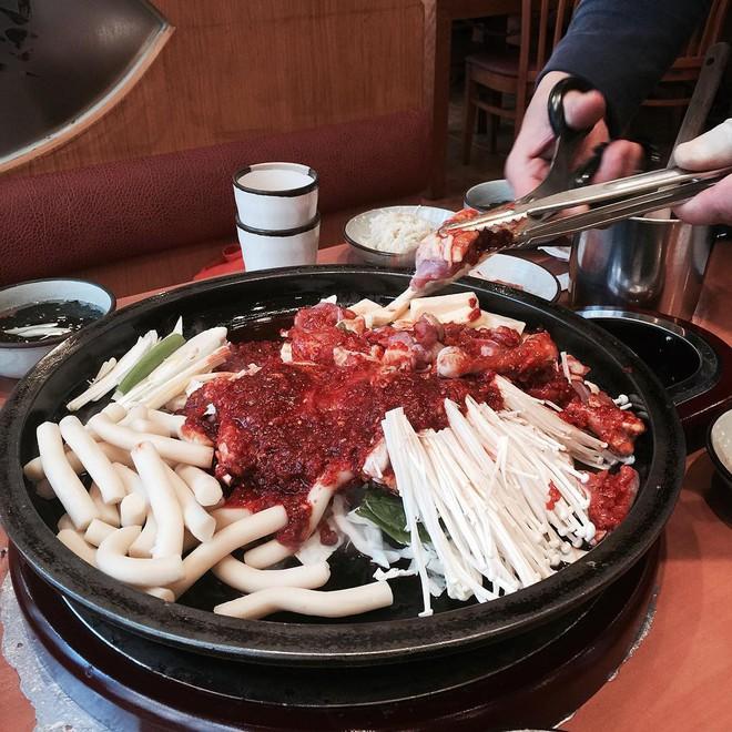 3 trải nghiệm ẩm thực đáng từng xu của nàng mê ăn khi du lịch Hàn Quốc - Ảnh 6.
