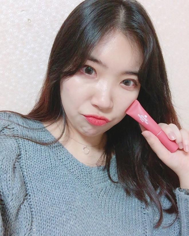 5 thỏi son kem lì giá chỉ khoảng 300.000 VNĐ được con gái Hàn tìm mua nhiều nhất vào mùa lạnh này - Ảnh 14.