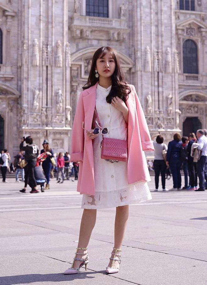5 mẫu váy đang được các tín đồ thời trang châu Á diện nhiều nhất khi tiết trời se lạnh  - Ảnh 15.