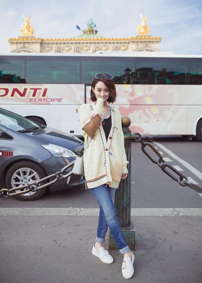 Cứ sang thu là 5 mẫu áo khoác quen thuộc này lại được loạt người đẹp Hoa ngữ lăng xê nhiệt tình - Ảnh 16.