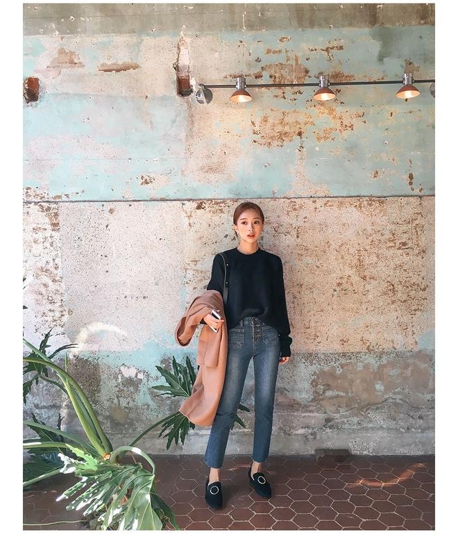 Giày loafer mùa thu năm nào cũng hot, nhưng năm nay thiết kế được đổi mới vuông thành sát cạnh - Ảnh 8.