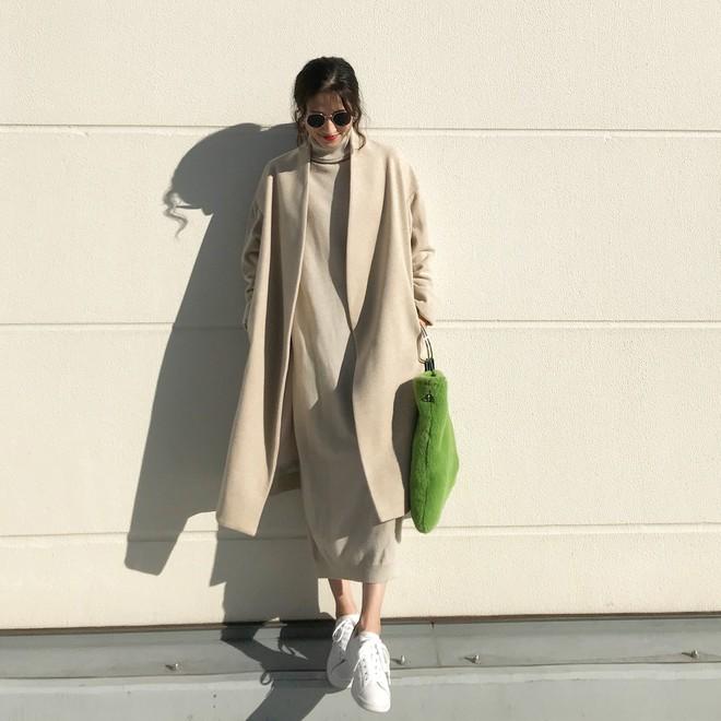 Váy len đúng là món đồ dễ mặc nhất, và bạn nhất định phải sắm 1 chiếc cho đông này - Ảnh 16.