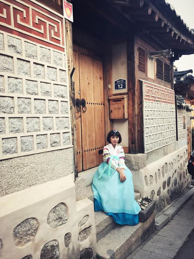 Linh Lê - Nữ nhà văn xinh đẹp sắp lên xe hoa với BTV Quang Minh là ai? - Ảnh 11.