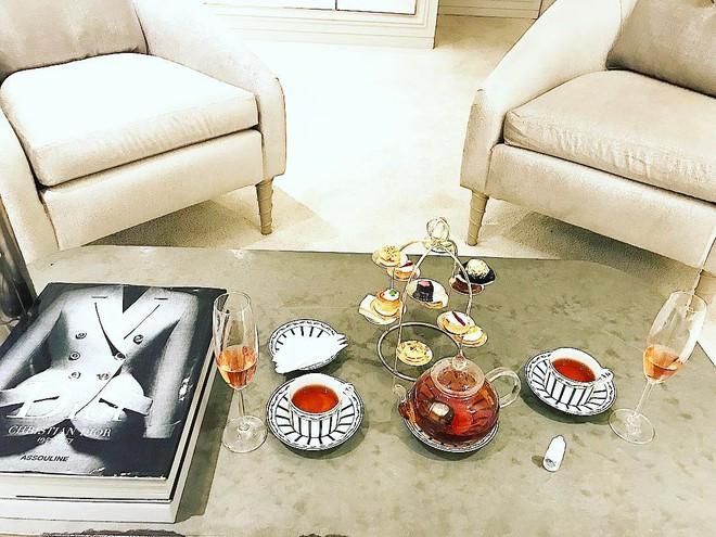 Ngắm căn hộ góc nào cũng lãng mạn và ngọt ngào với hoa tươi của hoa hậu Phạm Hương - Ảnh 15.