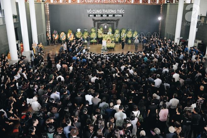 Những hình ảnh xúc động trong lễ tang nhà giáo Văn Như Cương - Ảnh 16.