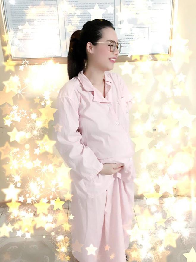 Ông bố soái ca nằm vùng bệnh viện, kể mọi nỗi cực khổ của phụ nữ khi sinh nở - Ảnh 6.