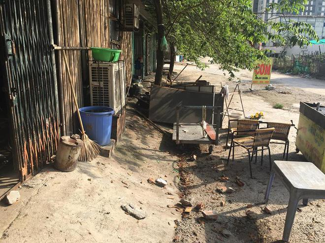 Hà Nội: Truy tìm nhóm côn đồ cầm hung khí xông vào nhà dân  đập phá tài sản khiến bà bầu, trẻ em hoảng sợ 1