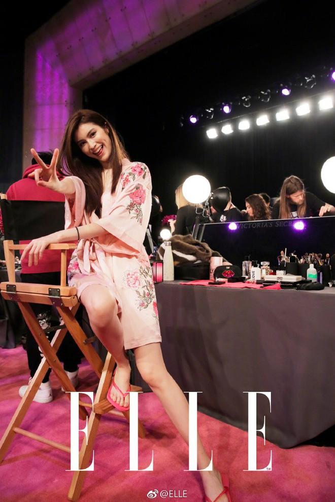 Tận tối mới diễn, nhưng giờ các thiên thần Victorias Secret đã bắt đầu trang điểm, làm tóc - Ảnh 26.