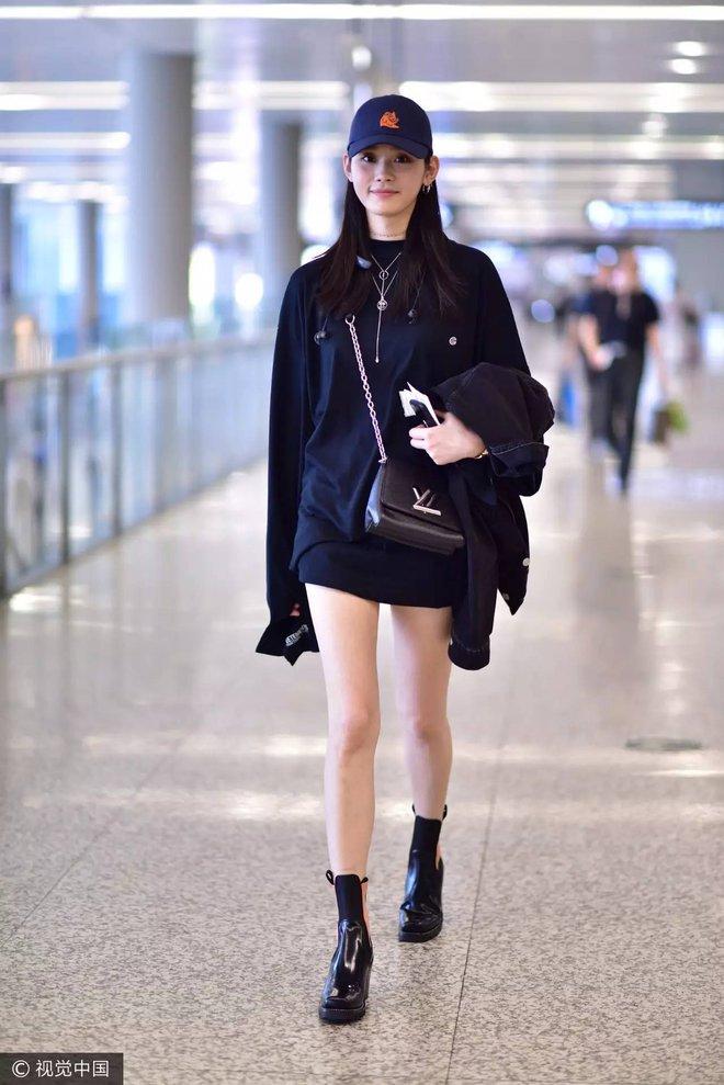 Học tập 3 xu hướng thời trang mới từ sao Hoa ngữ có thể khiến người mặc như trẻ ra vài tuổi - Ảnh 18.