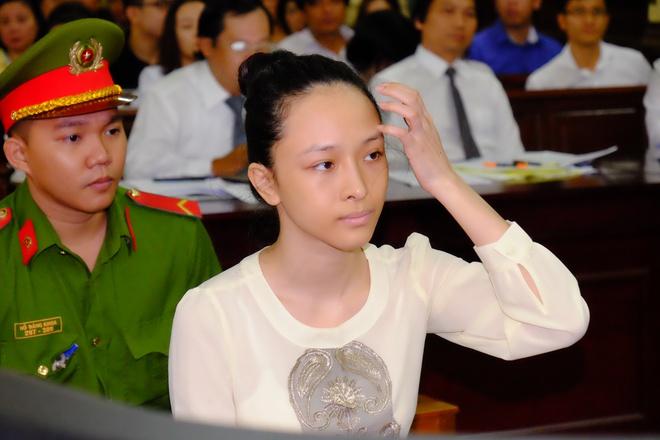 Chùm ảnh: Sắc thái Hoa Hậu- Đại Gia trong 2 ngày xét xử sơ thẩm vụ lừa đảo 16,5 tỷ đồng - Ảnh 2.