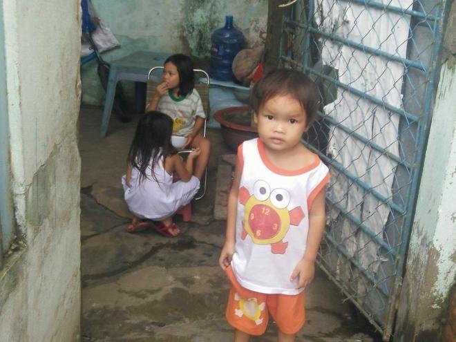 Ông ngoại của 6 đứa trẻ bị nhốt trong nhà, trần truồng gào khóc dưới mưa: Tôi không dám nhận tiền giúp đỡ của ai - Ảnh 11.