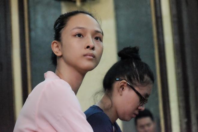 Chùm ảnh: Sắc thái Hoa Hậu- Đại Gia trong 2 ngày xét xử sơ thẩm vụ lừa đảo 16,5 tỷ đồng - Ảnh 3.