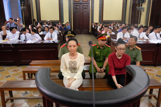 Chùm ảnh: Sắc thái Hoa Hậu- Đại Gia trong 2 ngày xét xử sơ thẩm vụ lừa đảo 16,5 tỷ đồng - Ảnh 4.