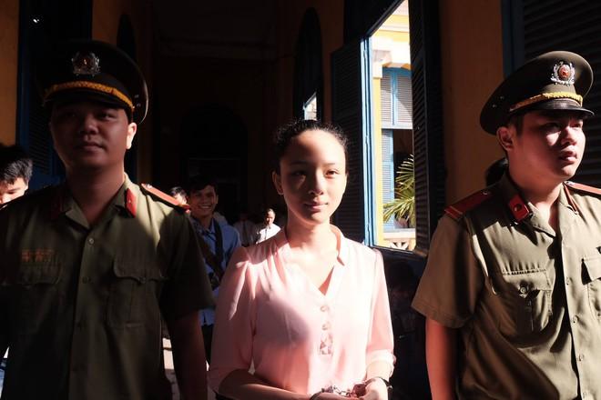 Tiếp tục xét xử vụ hoa hậu Phương Nga bị đại gia tố lừa đảo 16,5 tỷ đồng - Ảnh 3.