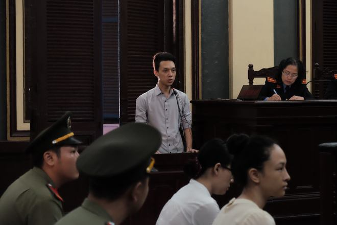Tiếp phiên xét xử vụ lừa đảo 16,5 tỷ đồng: Phương Nga phản biện khiến luật sư của Cao Toàn Mỹ lặng im - Ảnh 2.