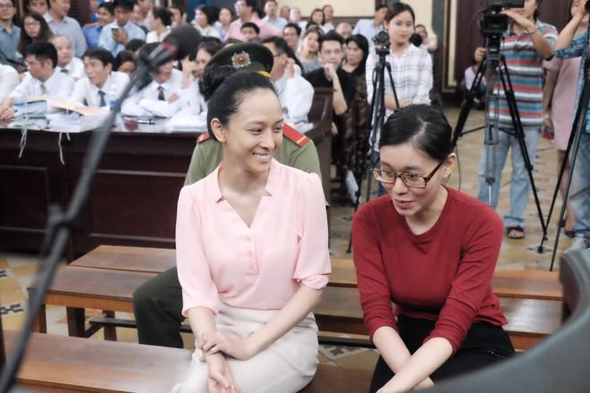 Hoa hậu Trương Hồ Phương Nga đã được tại ngoại sau 2 năm 3 tháng tạm giam - Ảnh 17.