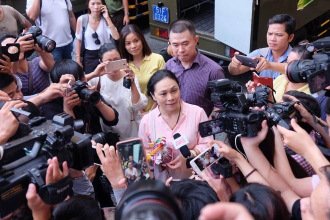 Hoa hậu Trương Hồ Phương Nga đã được tại ngoại sau 2 năm 3 tháng tạm giam - Ảnh 6.