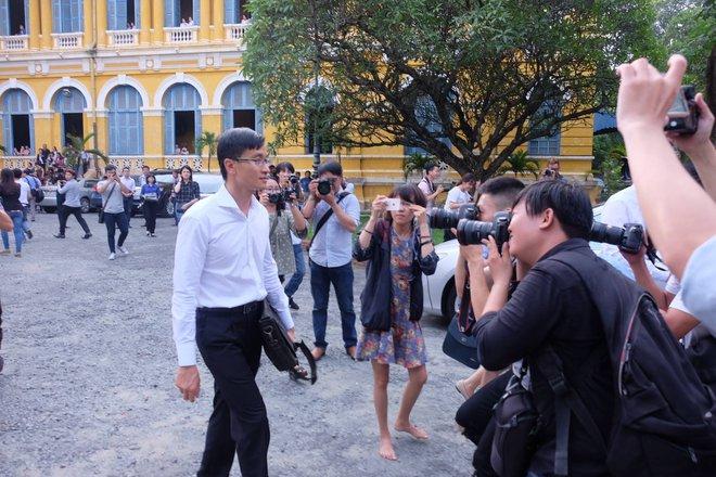 Hoa hậu Trương Hồ Phương Nga đã được tại ngoại sau 2 năm 3 tháng tạm giam - Ảnh 7.