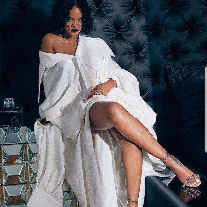 Rihanna đặc biệt ưu ái thiết kế trong BST Em hoa của NTK Công Trí - Ảnh 4.