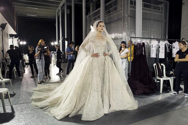 Muốn gây ấn tượng trong ngày trọng đại, các cô dâu đừng bỏ qua 7 mẫu váy này - Ảnh 26.