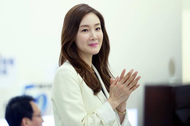 2 mỹ nhân xứ Hàn ở tuổi U50 rồi thế mà vẫn tươi trẻ như gái 20 thế này! - Ảnh 14.