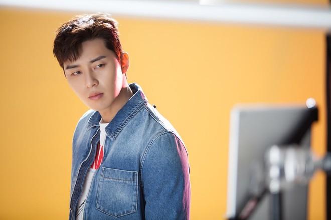 Choi Ae Ra và Go Dong Man - cặp đôi hâm hâm dở dở cũng có gu thời trang hay ho phết nhé! - Ảnh 18.